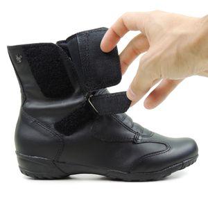 bota-feminina-preta-com-ajustes