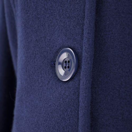casaco-feminino-em-la-com-botoes