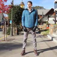 look-de-inverno-com-jaqueta-fiero-azul
