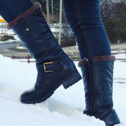bota-preta-para-neve