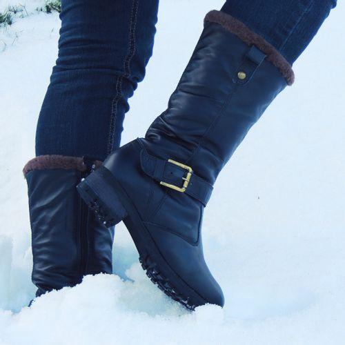 bota-preta-para-usar-na-neve