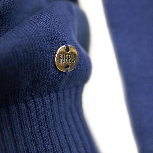 marca-de-malhas-em-trico-azul-marinho