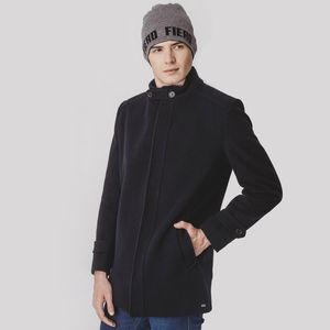 casaco-masculino-preto-em-la-uruguaia-para-o-frio-extremo