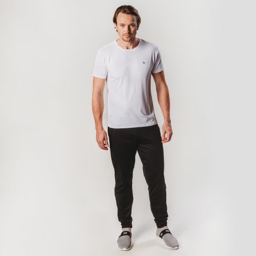 look-com-camiseta-sensecool-branca