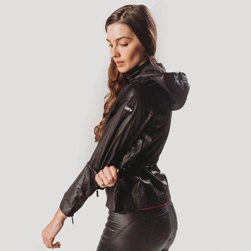 jaqueta-fiero-preta-com-capuz-removivel