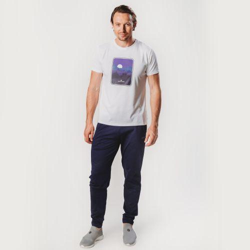 look-com-camiseta-branca-winter-mountain