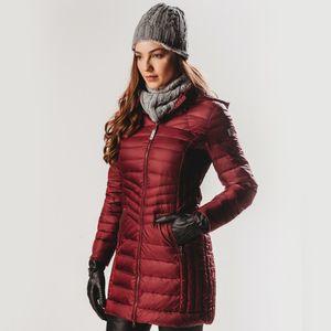 casaco-longo-feminino-de-pluma-vinho-corralco-fiero