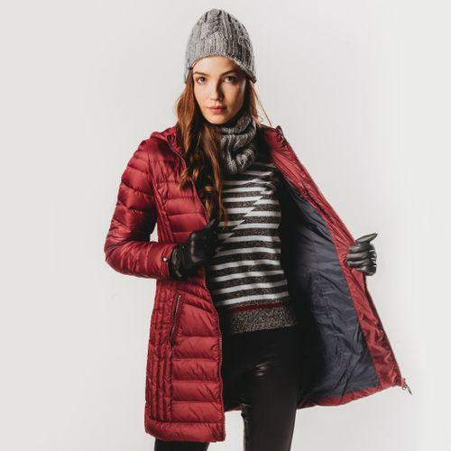 casaco-de-pena-vinho-com-forro-azul-marinho
