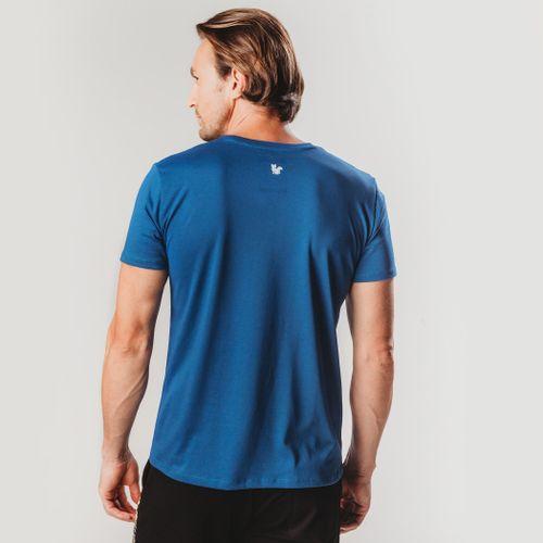 camiseta-masculina-azul-com-visual-liso
