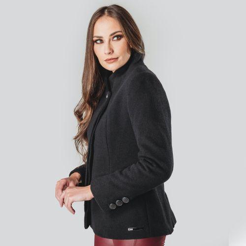 casaco-preto-feminino-em-la-batida