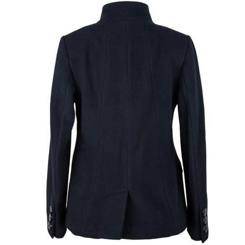 casaco-feminino-com-gola-alta-para-protecao-do-frio