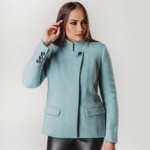 jaqueta-curta-azul-claro-feminina-casual