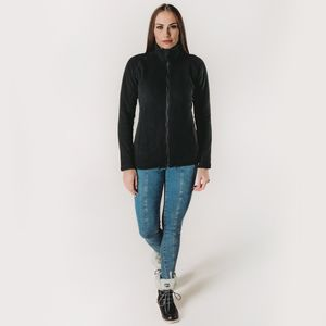 look-de-inverno-com-casaco-feminino-preto-de-fleece