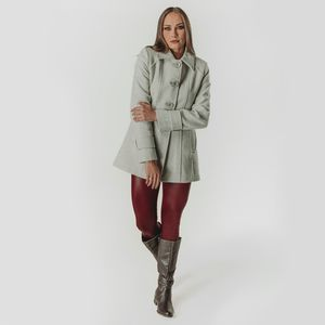 look-de-inverno-com-casaco-bege-em-la