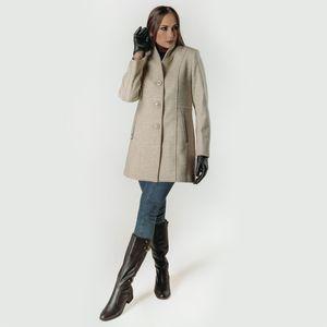 casaco-com-gola-mais-alta-para-os-dias-de-frio