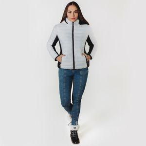 look-feminino-com-jaqueta-branca